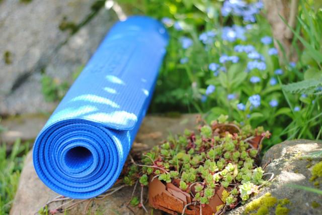 yoga-outside1-1