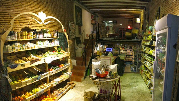 The BeOrganic shop in El Born