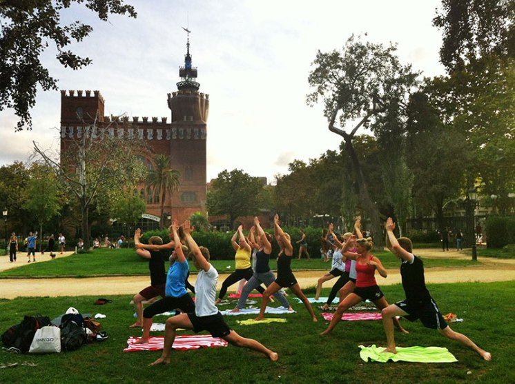Yoga in Parc de La Ciutadella